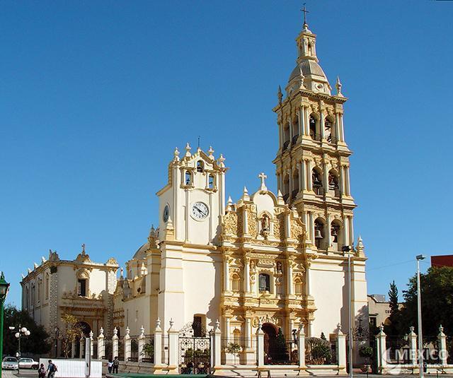 Mi ciudad litzzylo s blogs for Sillas para iglesias en monterrey